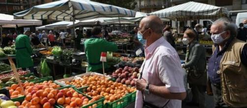 In seguito agli aumenti di contagio da Covid-19 rilevati a Salerno il Sindaco invita i cittadini al rispetto delle misure di contenimento.