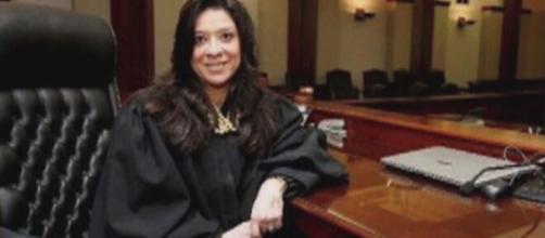 La jueza que lleva el caso de Jeffrey Epstein ha sufrido un ataque que ha terminado con la vida de su hijo.