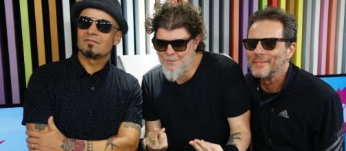 Sérgio Britto, Branco Mello e Tony Bellotto são os únicos membros do Titãs em atividade pela banda. (Reprodução/YouTube)
