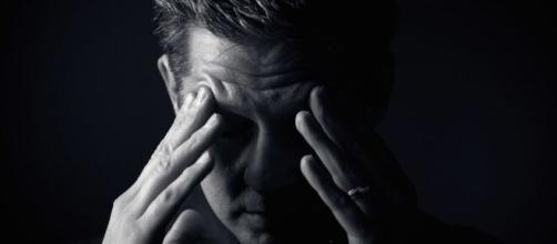 Algumas dicas podem ajudar a combater as crises de ansiedade. (Arquivo Blasting News)
