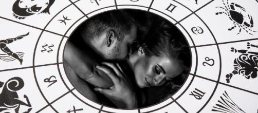Conheça as características de cada signo do zodíaco para conduzir o primeiro beijo. ( Arquivo/BlastingNews)