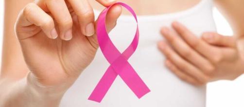 Enquanto o mês do outubro rosa não chega, por que não prevenir o câncer de mama? (Arquivo Blasting News)