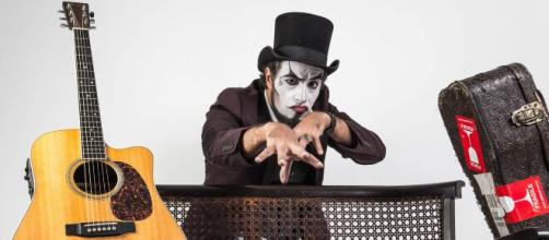 'O Teatro Mágico' se apresenta em live deste sábado. (Arquivo Blasting News)