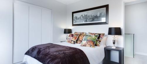 Usar as fotos para decorar o quarto pode ser uma ótima ideia. (Arquivo Blasting News)