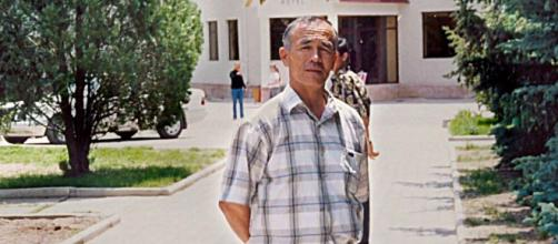 Human Rights activist Azimjon Askarov was sentenced to life in prison in 2010. [Image Source: Committee to Protect Journalists/YouTube]