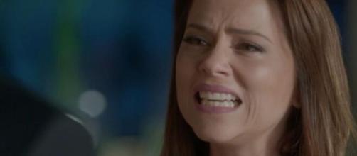 Lili irá sair em defesa da ruiva em 'Totalmente Demais'. (Reprodução/TV Globo)