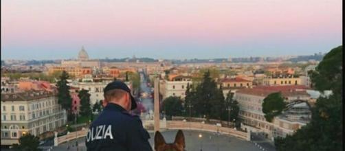 Roma, un 21enne litiga con la fidanzata e cade dalla terrazza del Pincio.