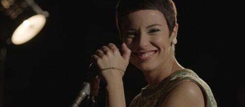 A atriz brilhou no filme 'Elis'. (Reprodução/YouTube)