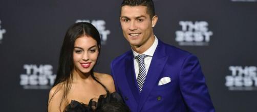 Da sinistra Georgina Rodriguez e Cristiano Ronaldo.