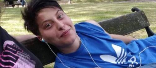 Elisa Pomarelli: la burocrazia blocca i funerali e Sebastiani chiede perizia psichiatrica.