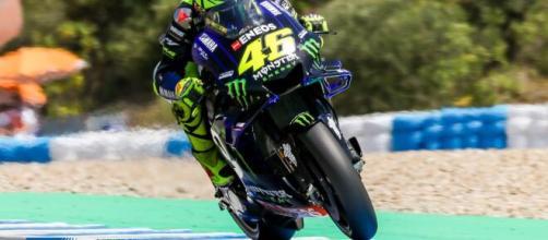 Valentino Rossi in sella alla sua M1, terzo posto nel Gran Premio di Andalusia.