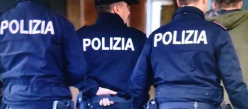 Bimbo di 2 anni in vendita a Ostia, padre arrestato