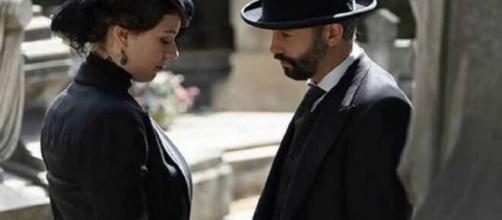 Una vita, trame Spagna: Felipe si finge interessato a Genoveva per sbugiardare Alfredo.