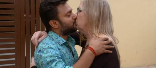 90 Day Fiancé: Jenny stuck in India due to COVID-19, fans pray for her health. [Image Source: TLC/YouTube]