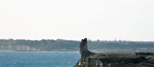 Brindisi, sostanza non ancora identificata trovata in mare: due ragazzi intossicati.