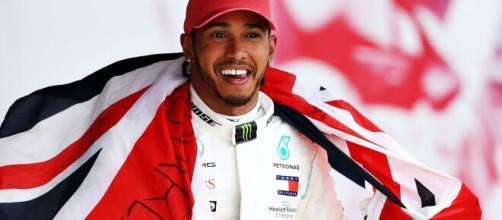 Continúa la lucha de Lewis Hamilton por la igualdad racial