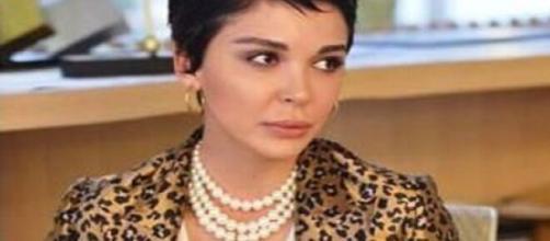 DayDreamer, spoiler turchi: Aylin crede che Emre sia interessato alla sorella di Sanem.