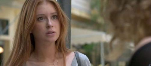 """Eliza ficará espantada ao dar de cara com a """"morta"""" em 'Totalmente Demais'. (Reprodução/TV Globo)"""