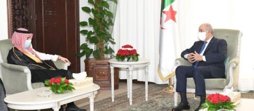 Le ministre saoudien des Affaires étrangères avec le président Tebboune. Présidence de la République (compte officiel Facebook)