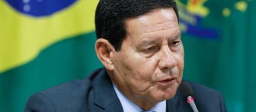 Mourão diz que Bolsonaro chegará competitivo em 2022. (Arquivo Blasting News)