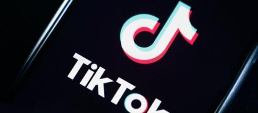 Países consideran prohibir la app TikTok