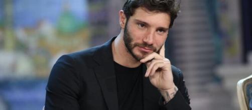 Stefano De Martino commentato l'indiscrezione di Dagospia: 'Fake news'.