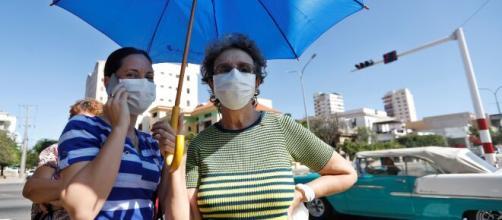 Científicos chinos advierten de mutaciones en el coronavirus