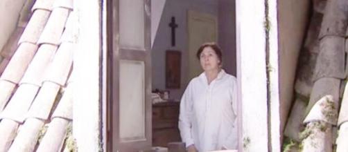 Una Vita, trame 3-8 agosto: Agustina si salva dopo essersi gettata dalla finestra.