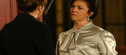 Una vita, trame Spagna: Bellita e Felicia si alleano per far separare Emilio e Cinta.
