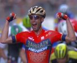 Vincenzo Nibali vittorioso alla Milano Sanremo, quest'anno in programma sabato 8 agosto.