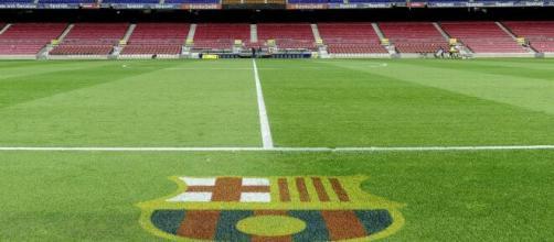 Barça: les photos du nouveau maillot extérieur enflamment les réseaux sociaux