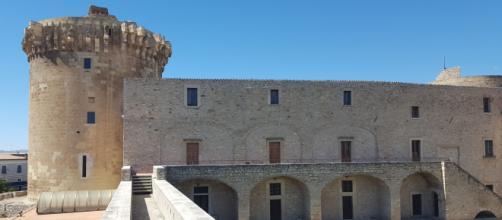 Castello di Venosa, il cortile interno.
