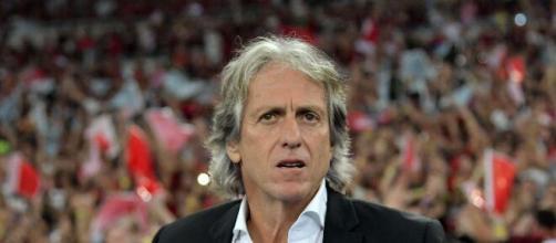Jorge Jesus planeja montar um Benfica competitivo para 2021. (Arquivo Blasting News)