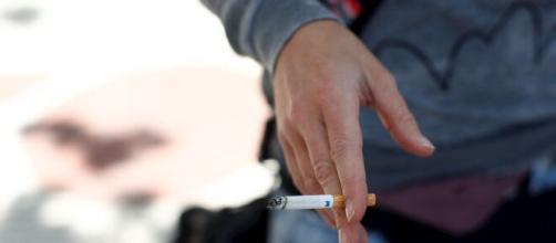 Los epidemiólogos aconsejan dejar de fumar para combatir el coronavirus y protegerse del Covid-19. - ifomo.es