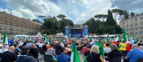 Roma, Piazza del Popolo, centrodestra in piazza contro il governo Conte.