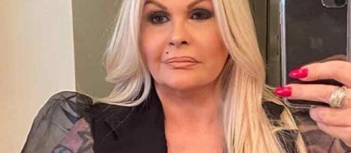 Monique Evans faz 64 anos. (Reprodução/Instagram/@moniquevanreal)