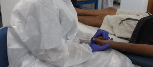 Pacientes considerados recuperados da covid-19 relatam fadiga e dores persistentes. (Arquivo Blasting News)