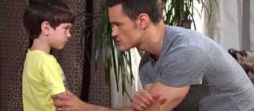 Beautiful, anticipazioni Usa: Douglas viene minacciato da Thomas affinché mantenga il segreto su Beth.