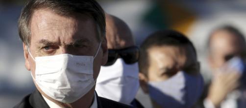 Brasil: Bolsonaro da positivo en prueba de coronavirus