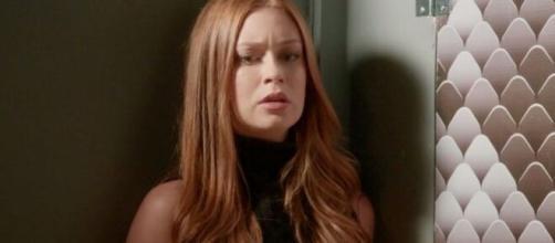Carol fará Eliza sofrer de propósito em 'Totalmente Demais'. (Reprodução/TV Globo)
