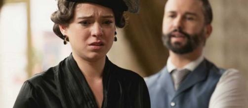 Una Vita, trame al 18 luglio: Felipe indaga sul rapporto tra Genoveva e Alfredo.