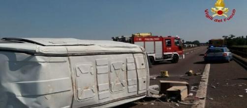Verona, si ribalta un furgone sulla A22: muore un brindisino di 37 anni, feriti il fratello e un collega.