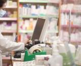 Coronavirus / Madrid entregará mascarillas gratis en las farmacias solo a mayores de 65 años