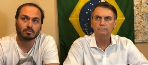 Carlos Bolsonaro não gostou de mensagens no Twitter desejando a morte do pai. (Arquivo Blasting News)