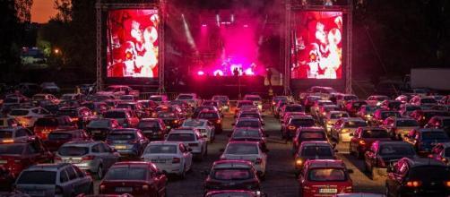 Drive-in tem sido adotado por muitos cantores. (Arquivo Blasting News)