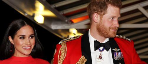 Fanáticos de la realeza piden que Meghan y Harry pierdan su título real