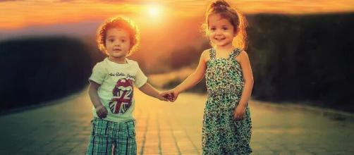 Las fotos que los padres publican con orgullo y ternura suponen un riesgo para los menores