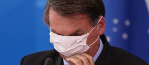 Presidente Jair Bolsonaro testa positivo para Covid-19. (Arquivo Blasting News)