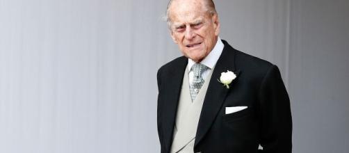 Príncipe Felipe lamentó muchos años no poderle dar su verdadero apellido a su hijo, el príncipe Carlos