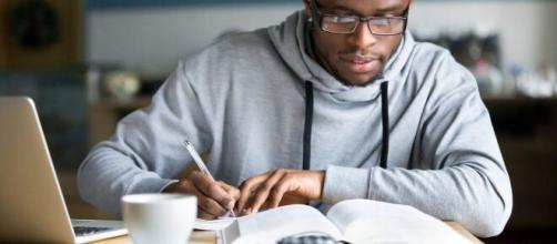 Enem 2021: 5 dicas básicas para uma boa redação. (Arquivo Blasting News)